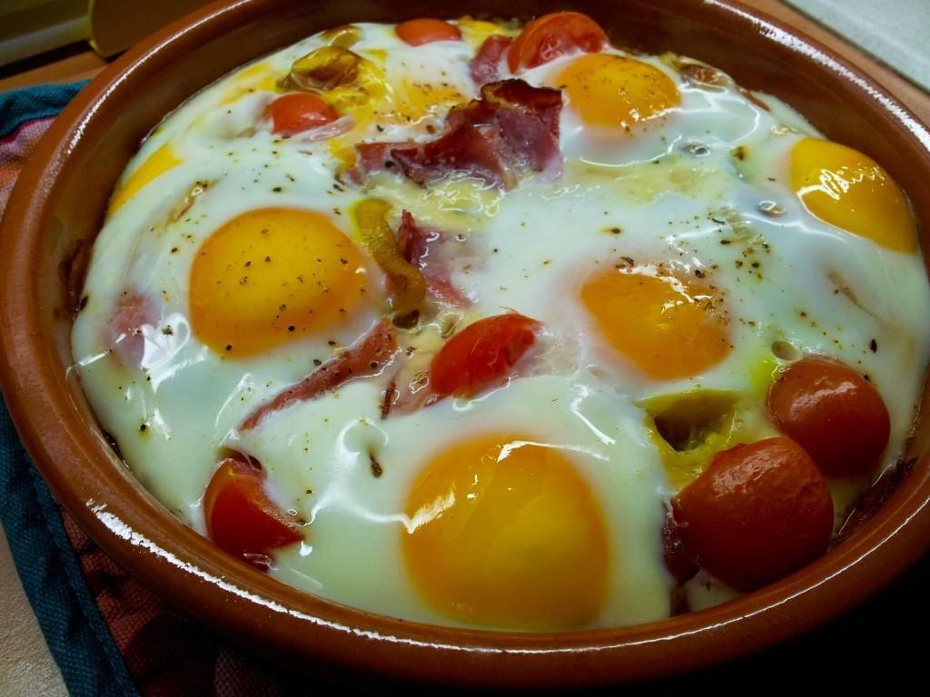 Huevo en Cazuela de Jamón Serrano