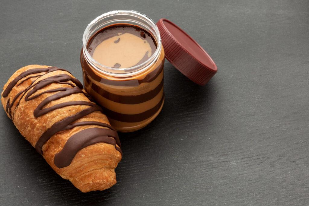Chocolate Keto con Mantequilla de Maní